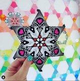 """Via de instagram pagina van Tula heeft zij een heel leuke fussy cut 2"""" ster laten zien van deze stof"""