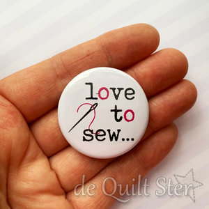 Button Love to Sew met naald